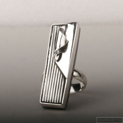 Sterling silver ring 566