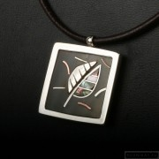Sterling silver necklace with horn and mother-of-pearl 209