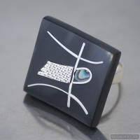 Sterling silver ring 525